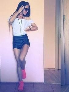 Medium_2156-girl-from-kaunas-lithuania
